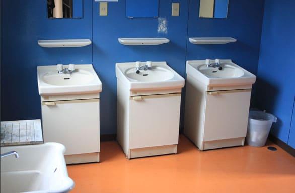 西都自動車学校合宿免許男子寮洗面台